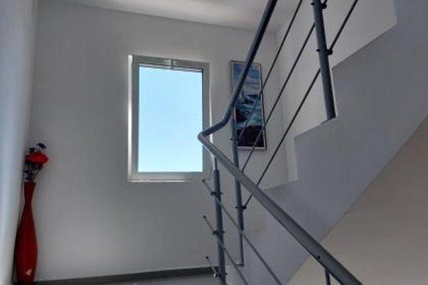 Krai Moreto Guest House - 11