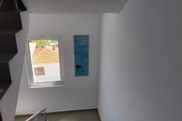 Krai Moreto Guest House - 13
