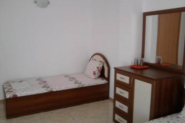 Krai Moreto Guest House - 4