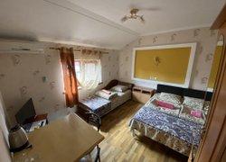 Фото 1 отеля Юлия - Феодосия, Крым