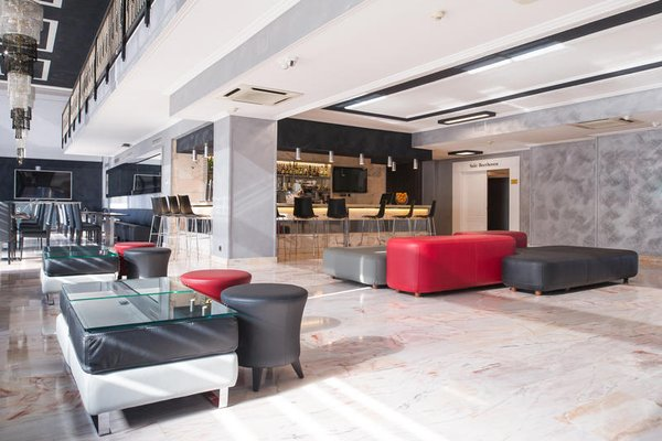 Отель Salles Ciutat del Prat - фото 4
