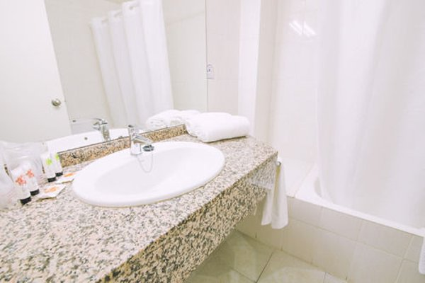 azuLine Hotel Bahamas - 8