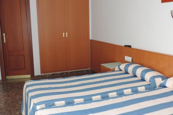 Hotel Costa San Antonio - фото 9