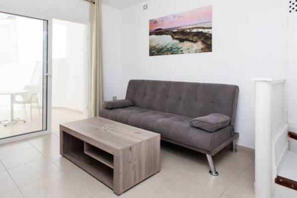 Apartamentos Caleta Playa - фото 8