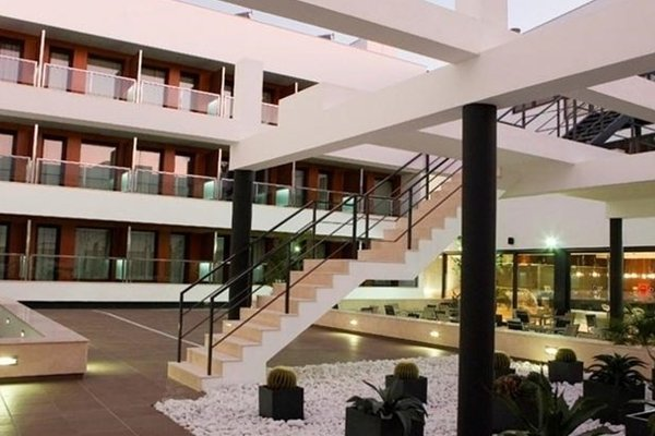 Hotel y Apartamentos Conilsol - фото 17