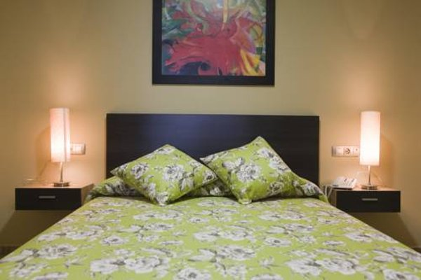 Hotel y Apartamentos Conilsol - фото 3