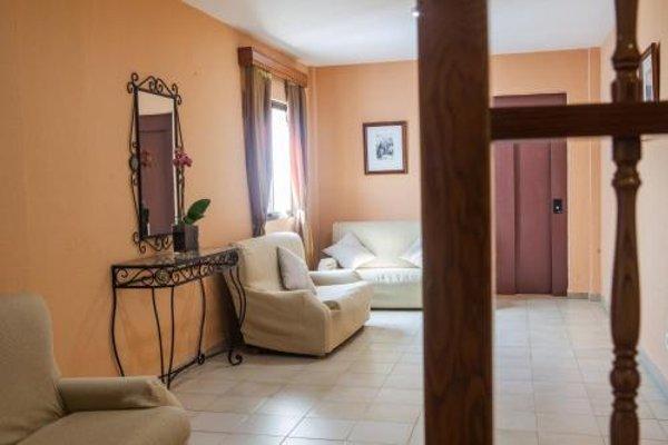 Hotel Tres Jotas - 4