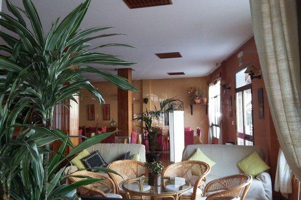 Hotel Tres Jotas - 9