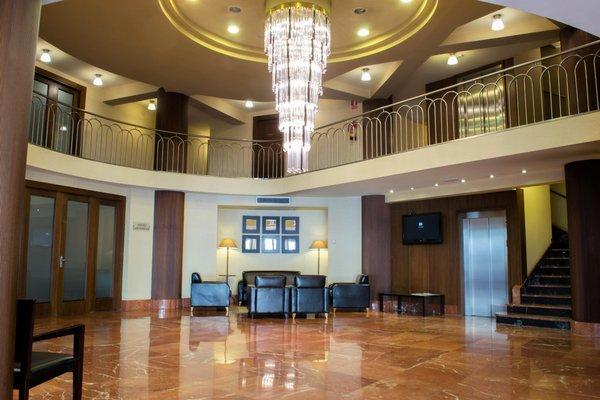 Hotel Almirante Bonifaz - фото 7