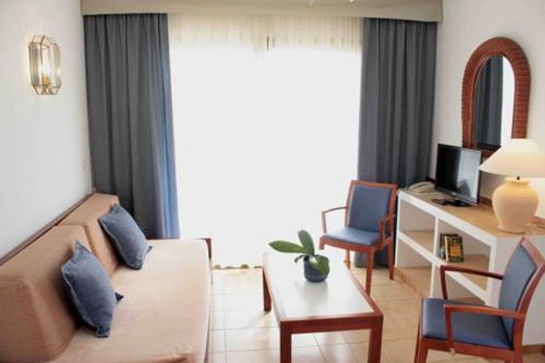 Apartamentos Maria Cristina Beach - фото 5