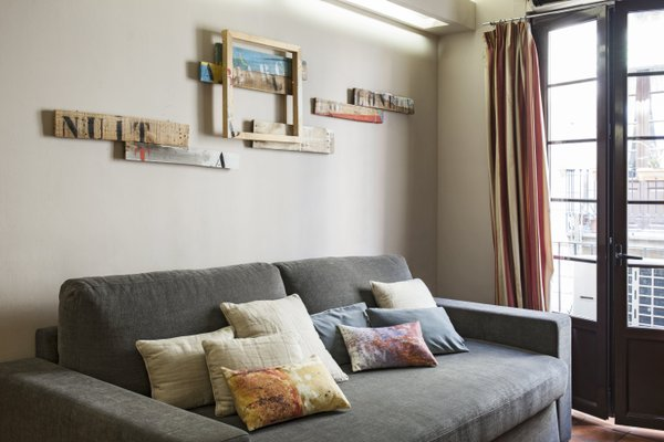 AinB Las Ramblas-Guardia Apartments - фото 11
