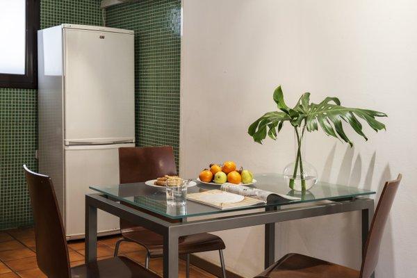 AinB Las Ramblas-Guardia Apartments - фото 18