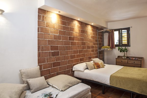 AinB Las Ramblas-Guardia Apartments - фото 6