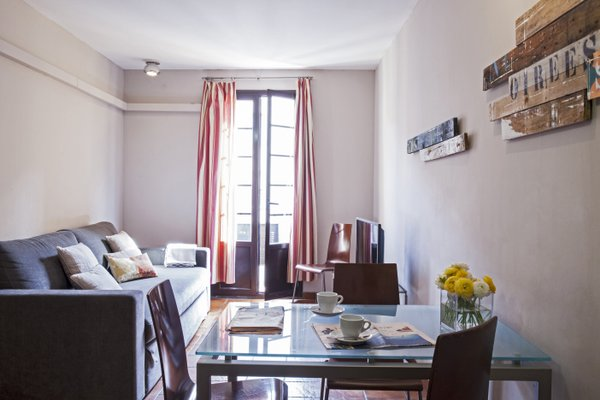 AinB Las Ramblas-Guardia Apartments - фото 7