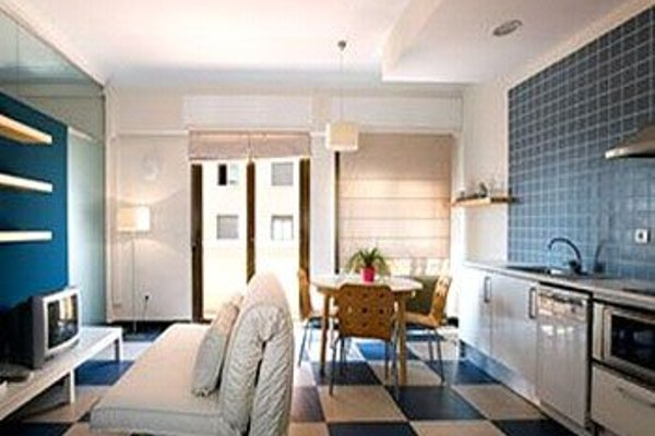 Chic & Basic Urquinaona Apartments - фото 23