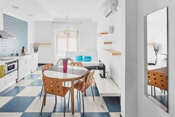 Chic & Basic Urquinaona Apartments - фото 14