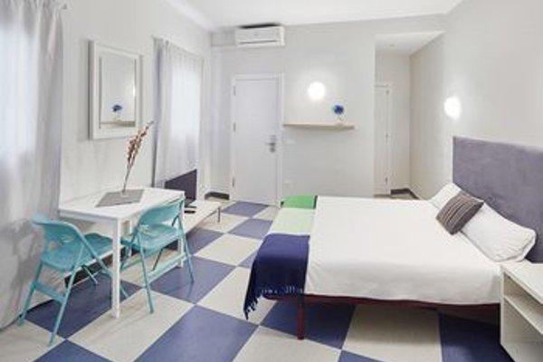 Chic & Basic Urquinaona Apartments - фото 3