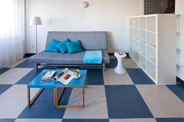 Chic & Basic Urquinaona Apartments - фото 9