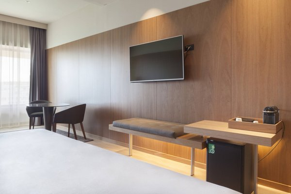 AC Hotel Diagonal L´Illa, a Marriott Lifestyle Hotel - фото 7