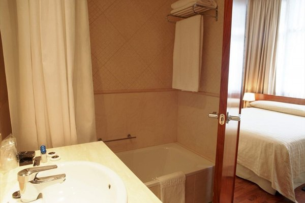 Hotel HLG CityPark Pelayo - фото 9