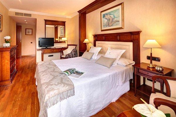 Apartaments-Hotel Hispanos 7 Suiza - фото 50