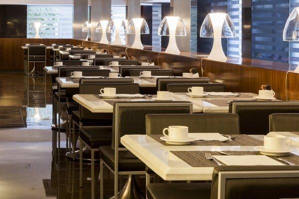 AC Hotel Irla, a Marriott Lifestyle Hotel - фото 10