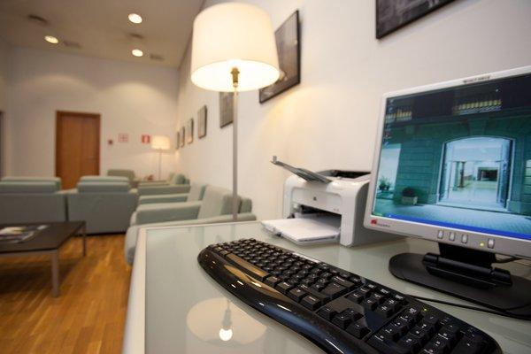 Отель Onix Rambla - фото 9
