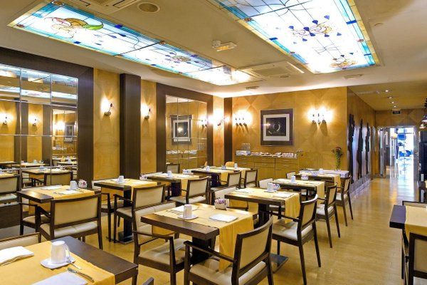 Отель Evenia Rocafort - фото 9