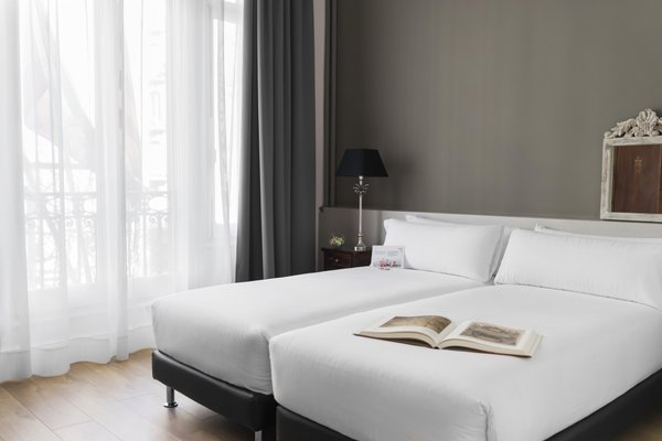 Meson Castilla Atiram Hotels - фото 4