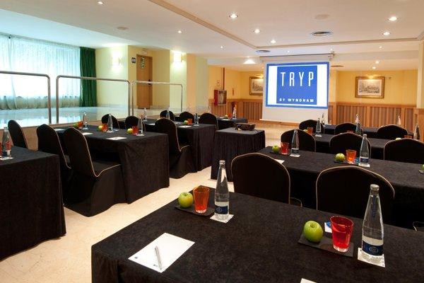 Tryp Barcelona Apolo Hotel - 19