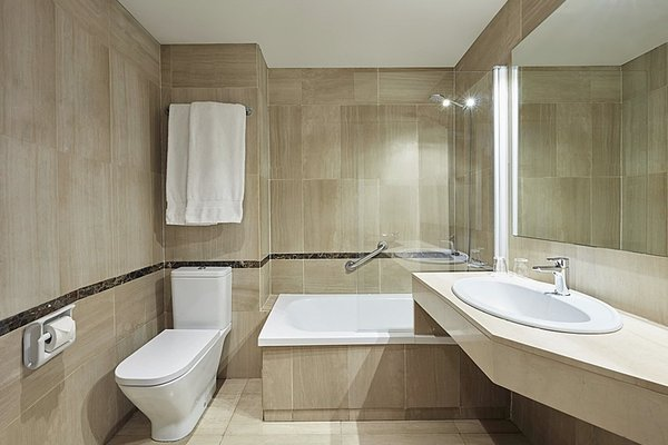 Barcelona Century Hotel - фото 9