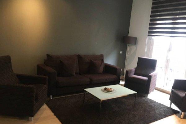 Fisa Rentals Gran Via Apartments - фото 11