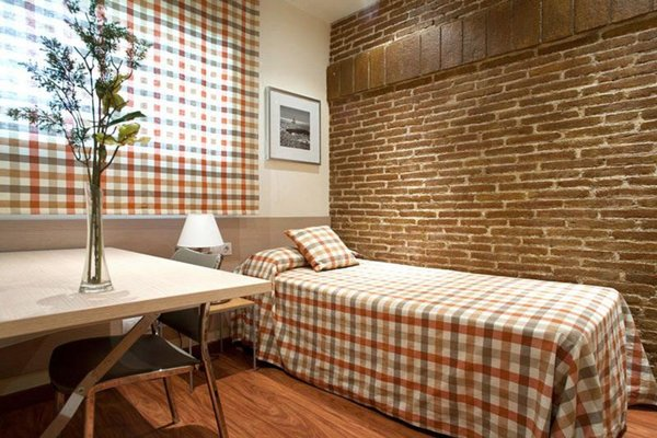 Arc de Triomf Apartments - 34