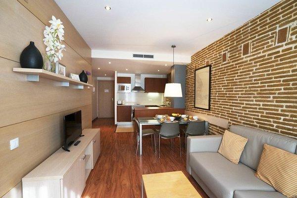 Arc de Triomf Apartments - 10