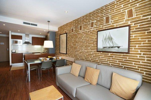 Arc de Triomf Apartments - 11