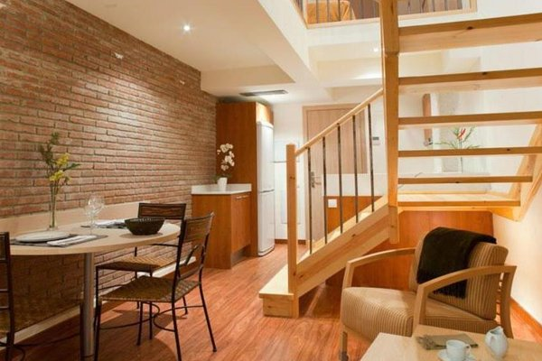 Arc de Triomf Apartments - 15