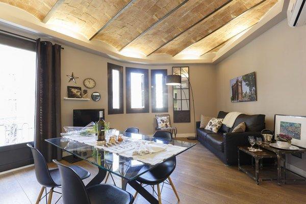 AinB Eixample-Miro Apartments - фото 6