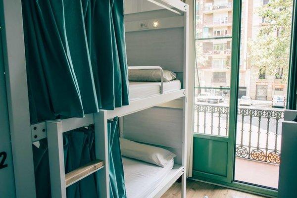 Black Swan Hostel - фото 4