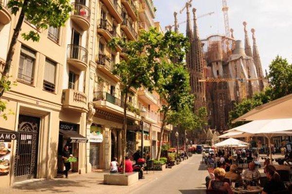 Gaudi Sagrada Familia - фото 22