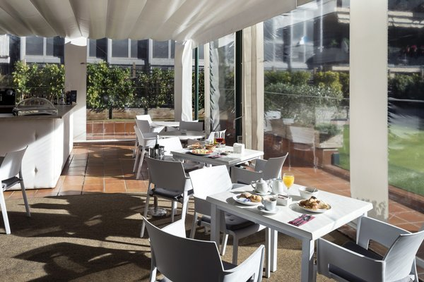 Отель Catalonia Barcelona Golf - фото 12