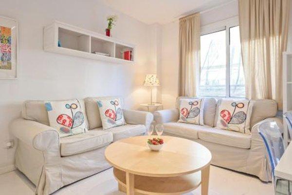 Barcelona Comtal Apartments - 10
