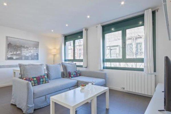 Barcelona Comtal Apartments - 13