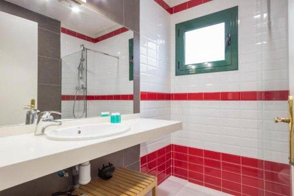 Barcelona Comtal Apartments - 15