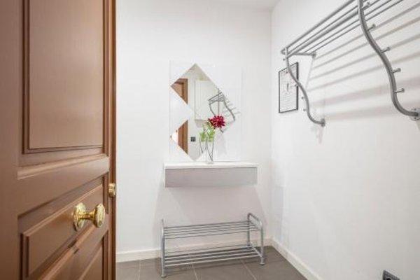 Barcelona Comtal Apartments - 18