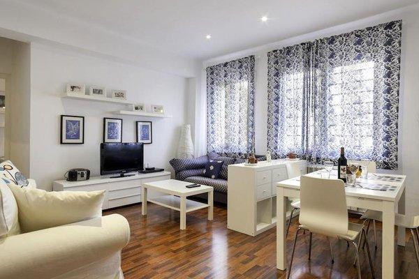 Barcelona Comtal Apartments - 8