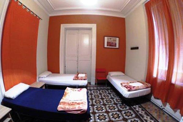 Barcelona 4 Fun Hostel - фото 10