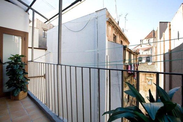 BCN House Apartments - 42