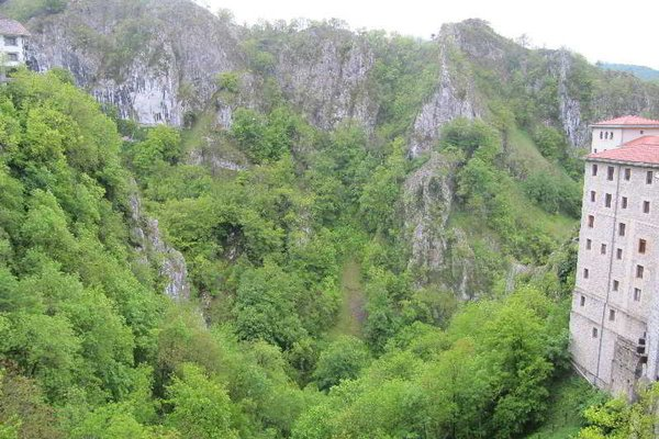 Santuario de Arantzazu - фото 21