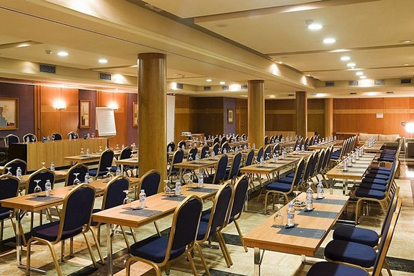AC Hotel Almeria, a Marriott Lifestyle Hotel - фото 16