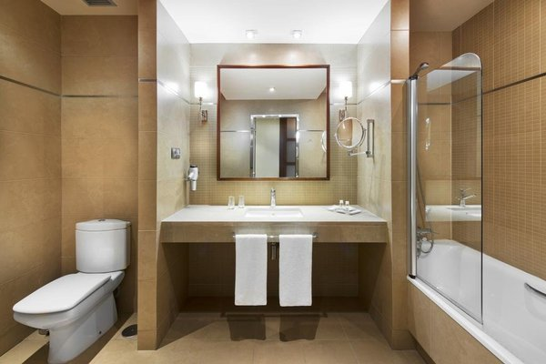 Elba Almeria Business & Convention Hotel - фото 7
